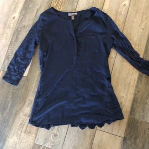 A Pea in the Pod Blue Lace Back blouse
